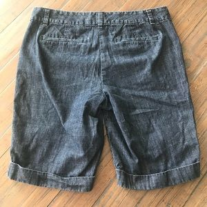 Ann Taylor Shorts - Ann Taylor size 8 Signature denim jean shorts